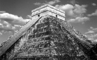mayan-piramid